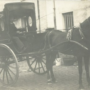 Un fiacre allait trottinant...      Noisy-le-Sec vers 1912