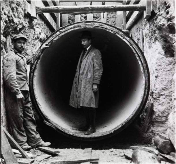 L'ingénieur Belgrand dans un siphon