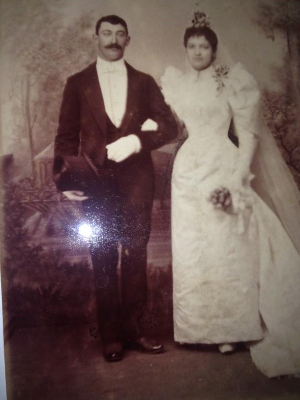 Mariage le 31/3/1894 de Delphine (Léonide ) DINAULT et de Louis (Henri) NICOLAS