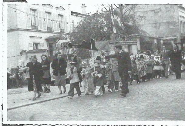 1954 défilé dans les rues 2