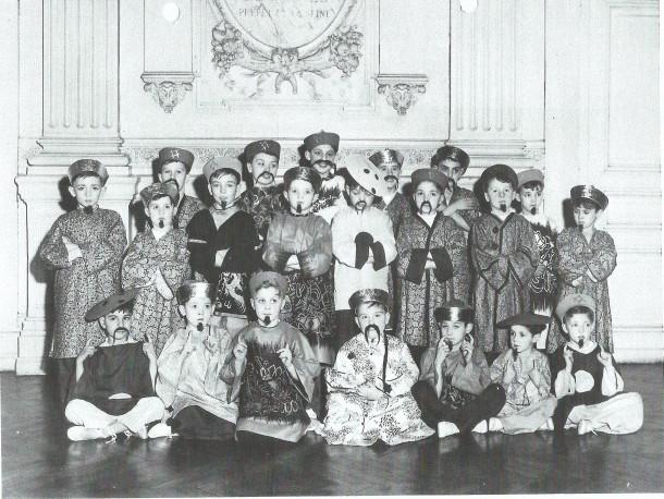 1954 - Le ballet chinois - salle des mariages