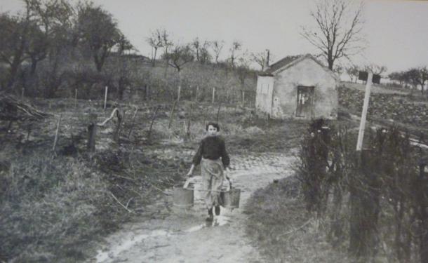 1912, sur le chemin de la fontaine d'Orval
