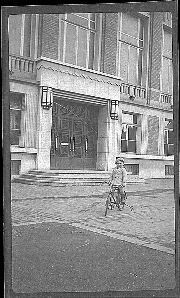 Entrée de la mairie annexe avant le bombardement de 1944