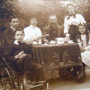 Léon Grès et sa famille