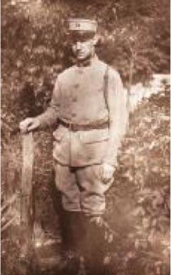 1933, service militaire dans la cour du 33 bld Gambetta