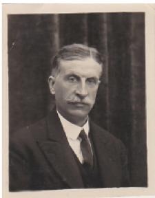 Léon Daniel